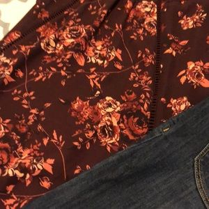 Taylor & Sage Tops - Floral and Lace top